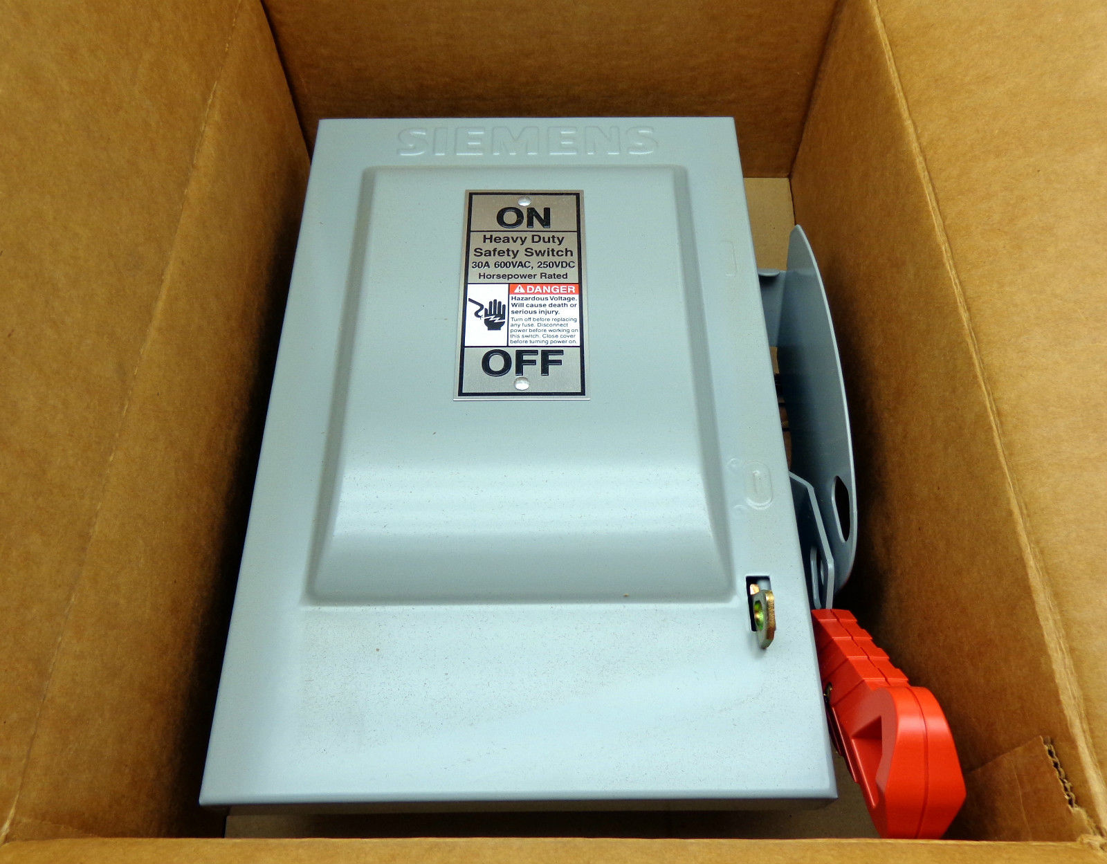 Busway Tap Box Cb100 30 2 250 4 Dis With Square D 30amp Breaker Fuse Amp Siemens Hf361 600volt Heavy Duty Safety Switch