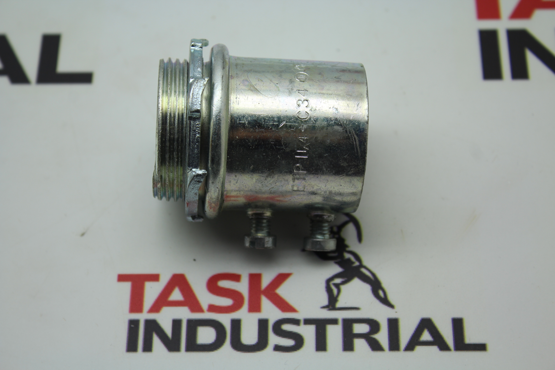 """Quality Electrical Fittings Steel Set-Screw Type Couplings Size 1-1/4"""" 7 Pieces C-34"""