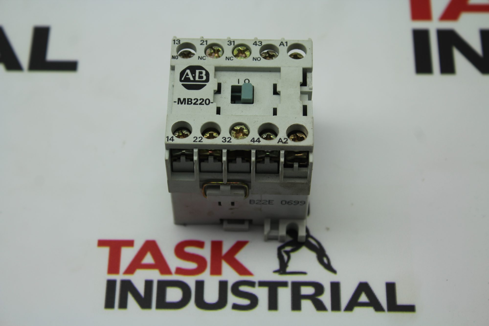 Allen-Bradley CAT NO 700-MB220 Series A Relay