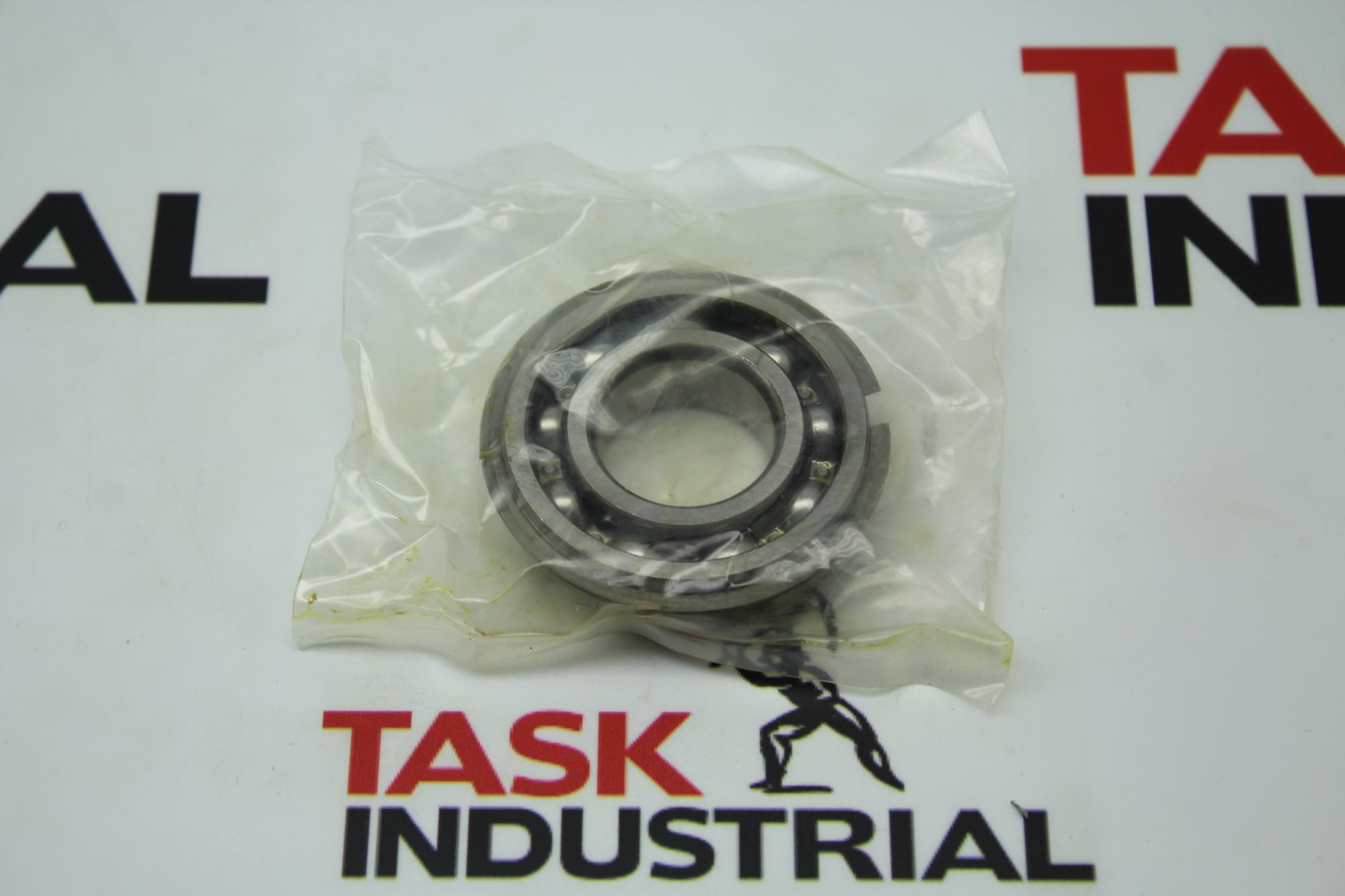 NSK 6205-NR Ball Bearing