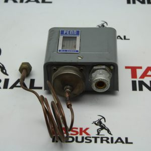 Johnson Controls PENN 8407 P70AB-2 Male Flare Low Pressure Control