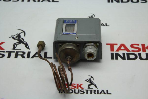 Johnson Controls PENN 8407 P70AB-2 Male Flare Low Pressure Control
