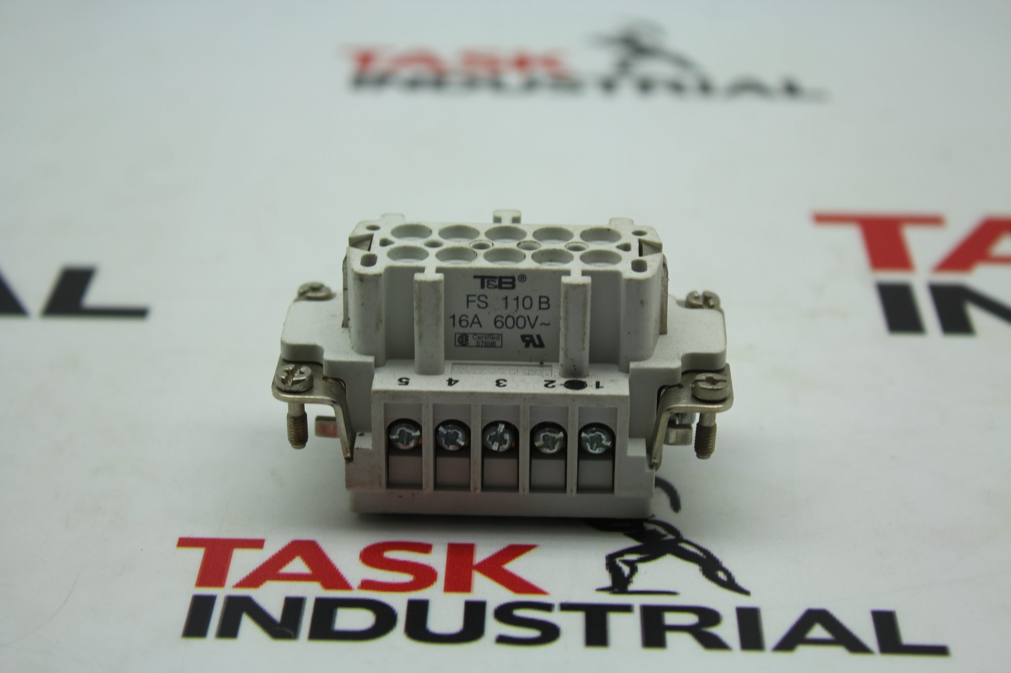 T&B FS 110B 16A 600V Connectors
