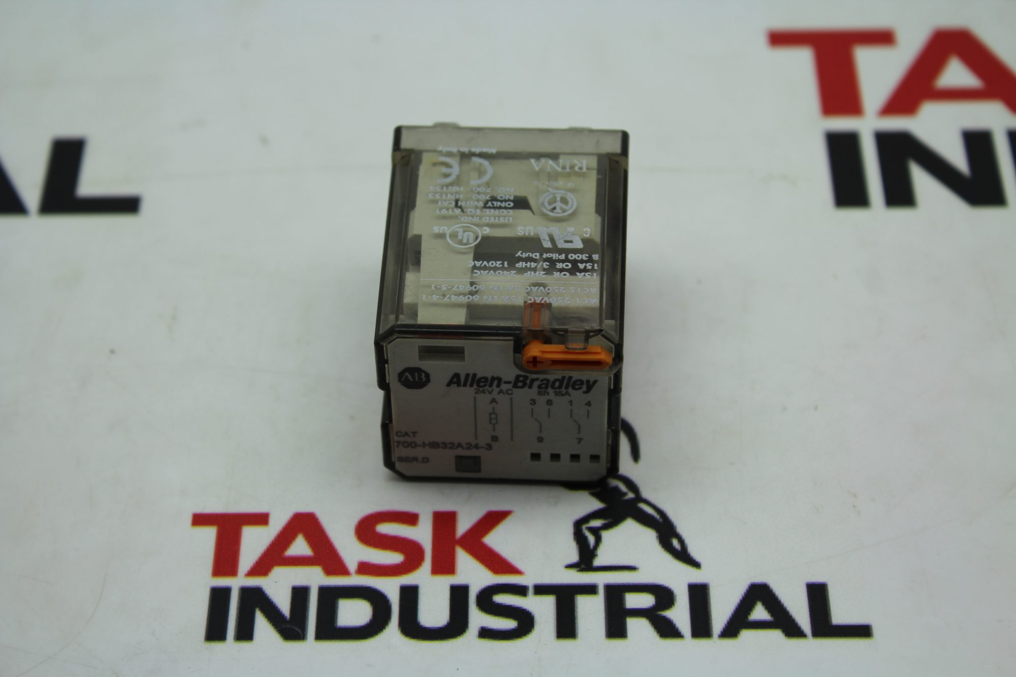 Allen-Bradley CAT No. 700-HB32A24-3 Series D Relay