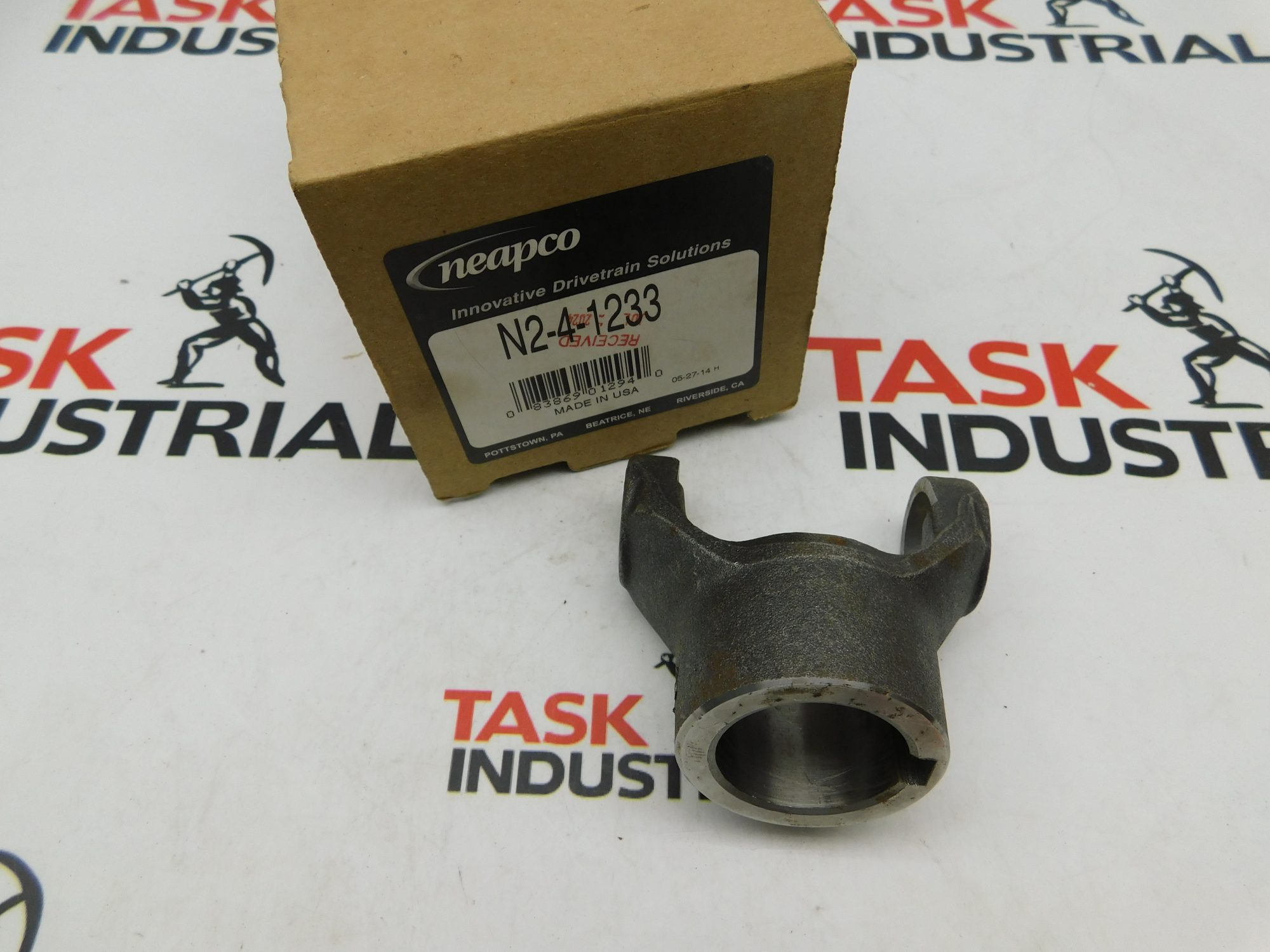 Neapco N2-4-1233 Non-Splined End Yoke