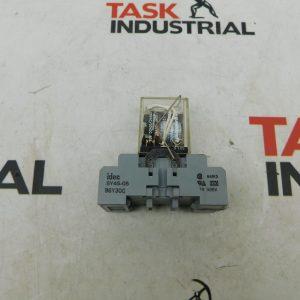 Square D Type RSD42P14V53 Series B Class 8501 Relay w/ IDEC SY4S-05 300V 7A Base