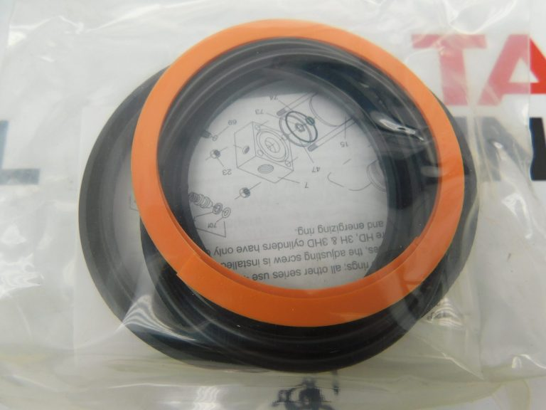 "Parker PK3202A001 3 1/4"" Bunan Piston Seal Kit."