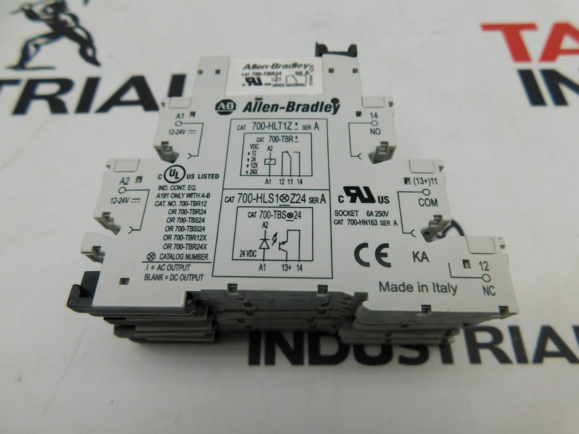 Allen-Bradley CAT No. 700-HLT1Z24 Series A