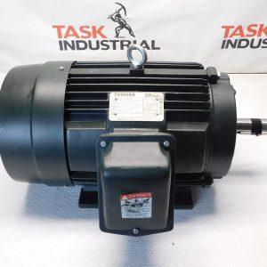 Toshiba Electric Motor 0152SDSR41A 15 HP 3530 RPM Frame:254T ENCL:TEFC 230/460V 36/18.0 A SF:1.15